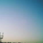 丸い飛行場の鉄塔
